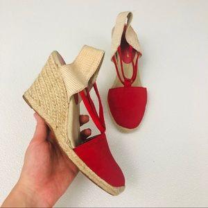 Adrienne Vittadini slip on wedge closed toe shoes